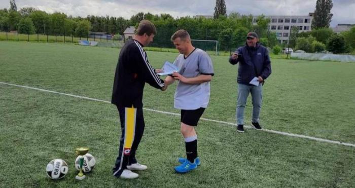 На ковельському стадіоні МЦ «Спорт для всіх» відбувся турнір з футболу серед команд ветеранів 40 років і старших.