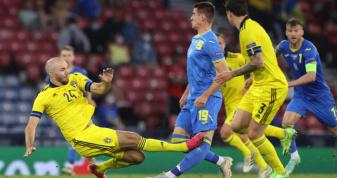 Артем Бєсєдін зазнав травми в матчі 1/8 фіналу Євро-2020