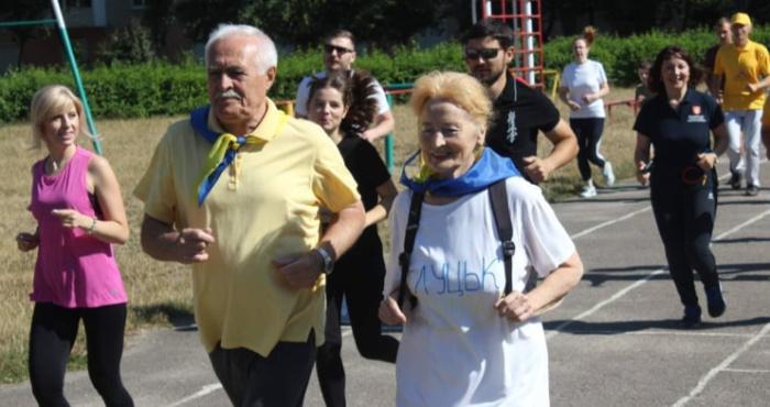 У Луцьку відзначили п'яту річницю загальноміської акції «Ранкова гімнастика для всіх».