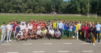 Ківерців на міському стадіоні святкують День фізичної культури та спорту