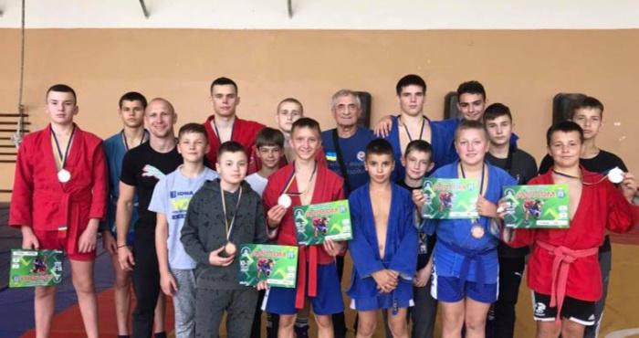 Рівненські самбісти вибороли 10 медалей на Всеукраїнських змаганнях