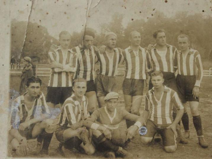 Футбольна команда