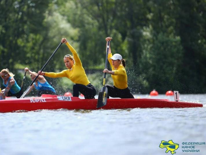 Валерія Терета (зліва) впевнено йде до перемоги