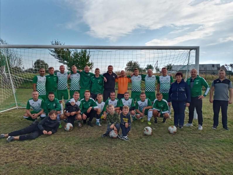 На новому стадіоні в Городищі зіграли перший футбольний матч